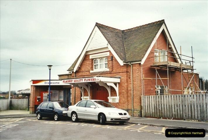 2001-12-18 Branksome, Poole, Dorset.  (1)426