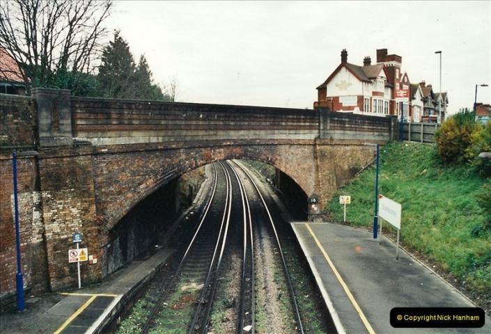 2001-12-18 Branksome, Poole, Dorset.  (3)428