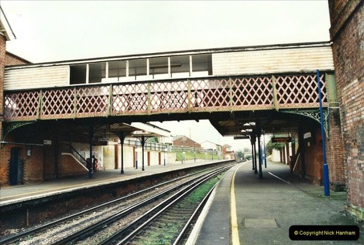 2001-12-18 Branksome, Poole, Dorset.  (4)429
