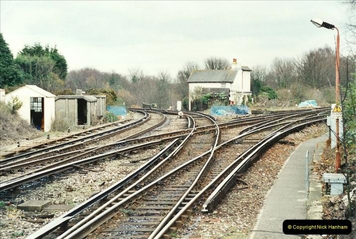 2001-12-18 Branksome, Poole, Dorset.  (8)433