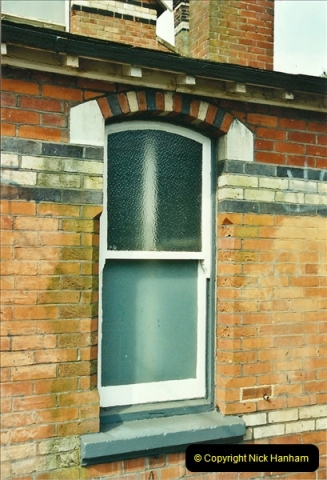 2002-04-22 Parkstone, Poole, Dorset.  (15)450