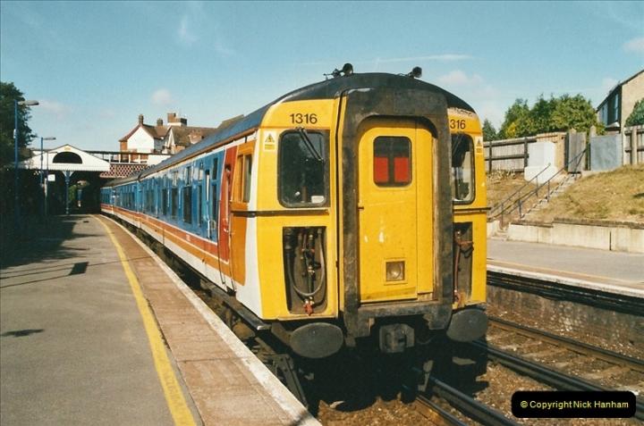 2004-08-14 End of slam door stock in the Poole, Dorset area (14)586