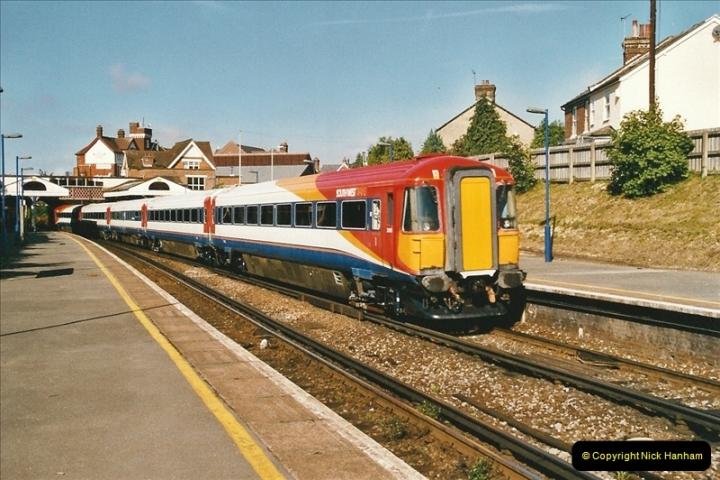 2004-08-14 End of slam door stock in the Poole, Dorset area (15)587