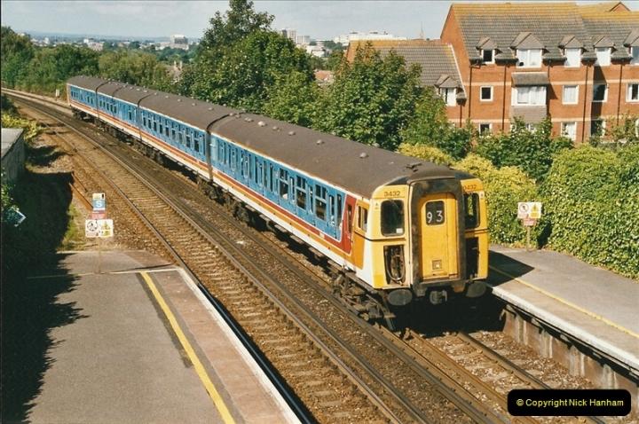 2004-08-14 End of slam door stock in the Poole, Dorset area (18)590