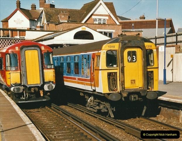 2004-08-14 End of slam door stock in the Poole, Dorset area (2)574