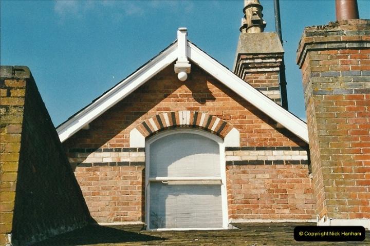 2004-08-14 End of slam door stock in the Poole, Dorset area (26)598