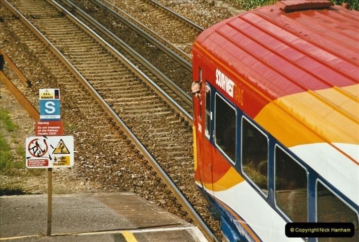 2004-08-14 End of slam door stock in the Poole, Dorset area (43)615