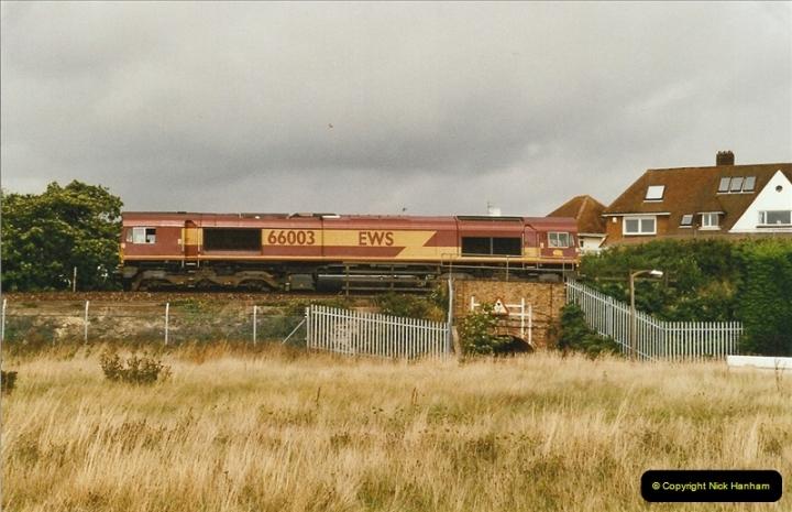 2004-08-18 Whitecliffe & Poole, Dorset.  (2)617
