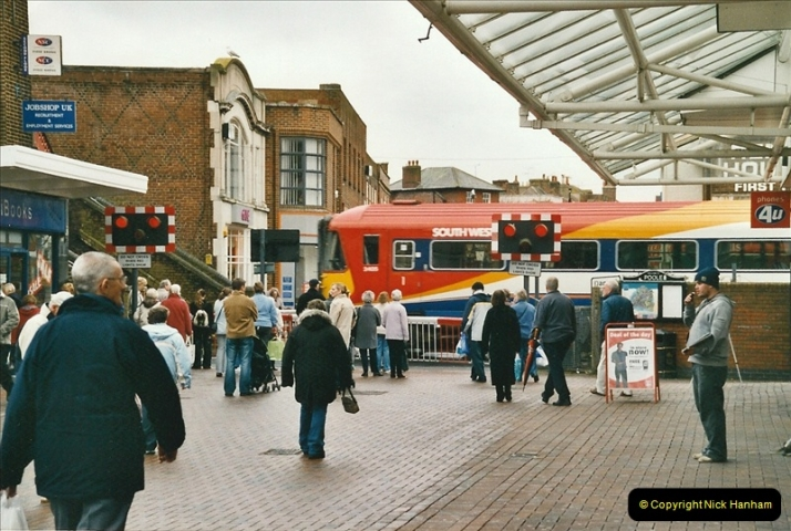 2005-02-19 Poole High Street level crossing Poole, Dorset.655