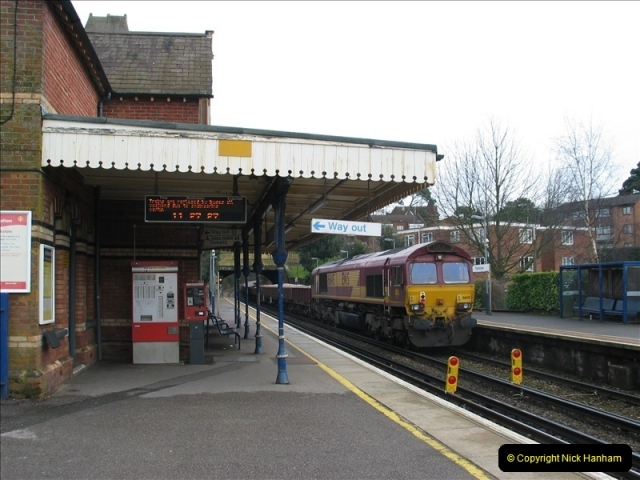 2006-02-18 Parkstone Station, Poole, Dorset.  (7)674