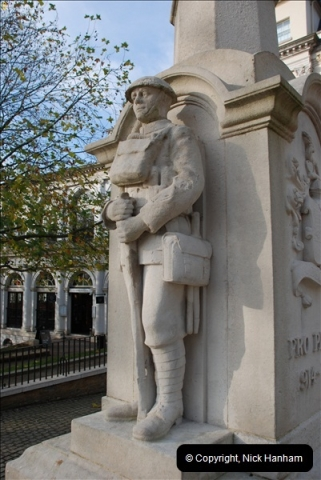 2010-11-24 Richmond War memorial. (4)04