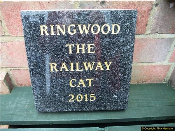 2015-10-28 Ringwood's memorial stone.  (3)82
