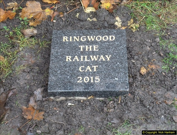 2015-11-04 Ringwood Memorial now completed.  (1)94
