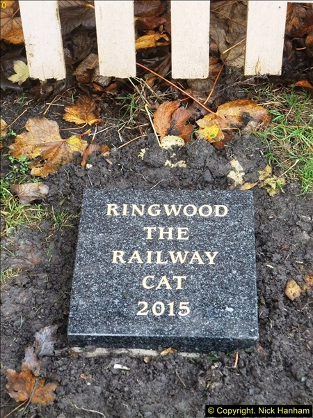2015-11-04 Ringwood Memorial now completed.  (2)95