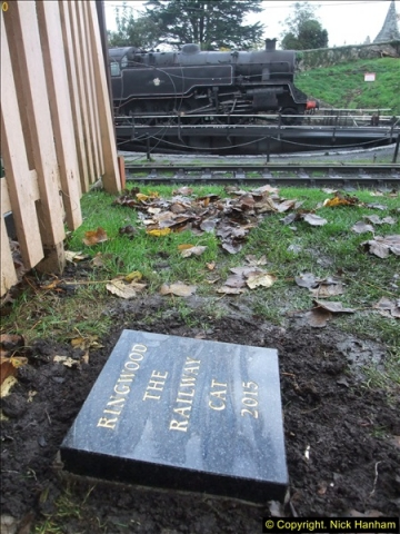 2015-11-04 Ringwood Memorial now completed.  (3)96