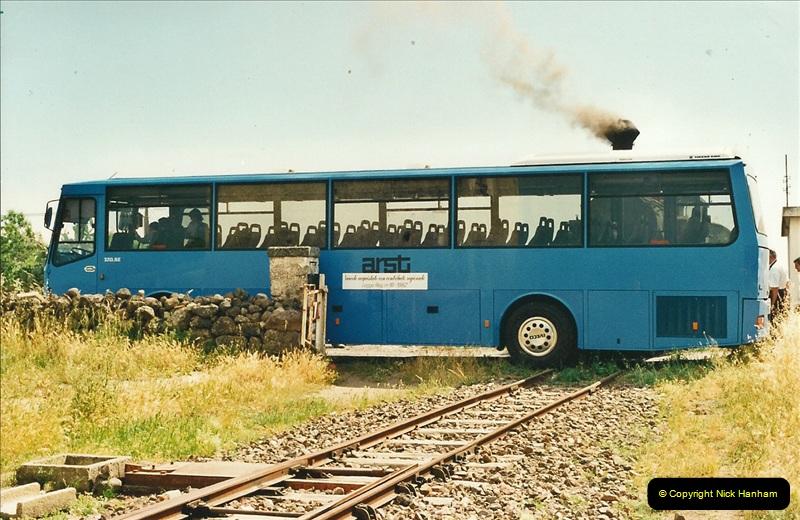 13 May to 20 May 2000  (142)001