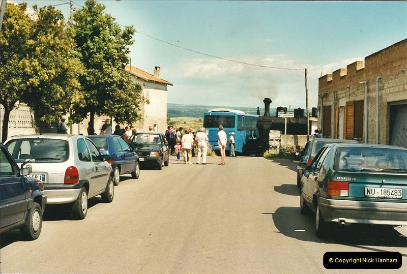13 May to 20 May 2000  (143)001