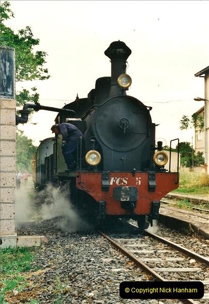 13 May to 20 May 2000  (161)001