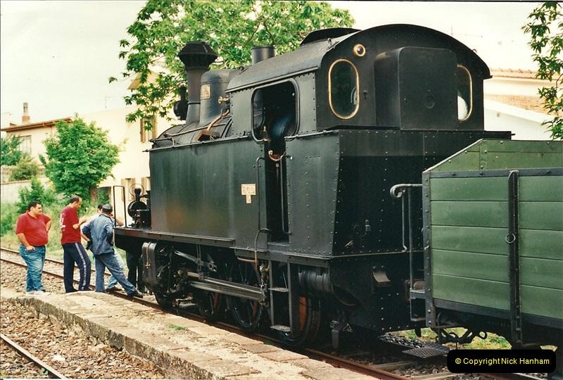 13 May to 20 May 2000  (163)001