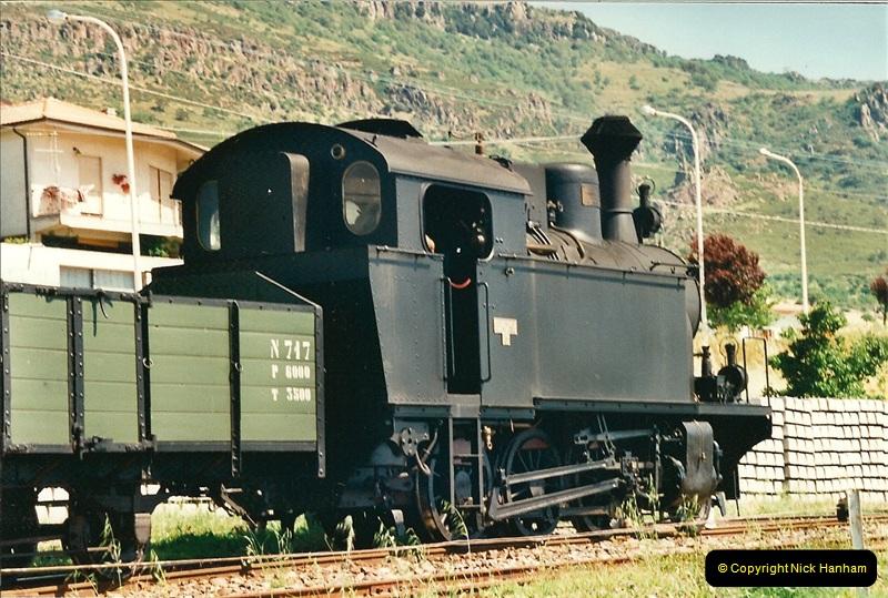 13 May to 20 May 2000  (175)001