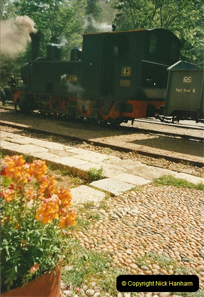 13 May to 20 May 2000  (450)001