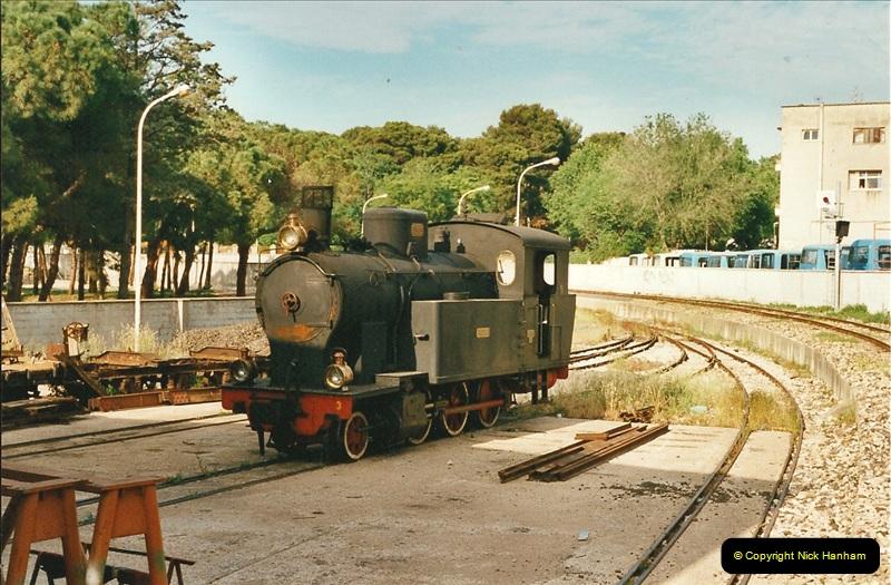 13 May to 20 May 2000  (64)001