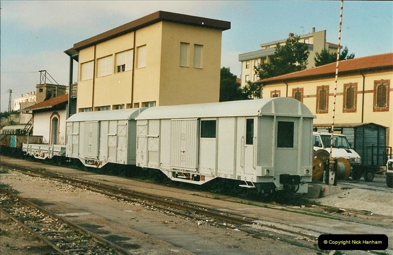 13 May to 20 May 2000  (80)001