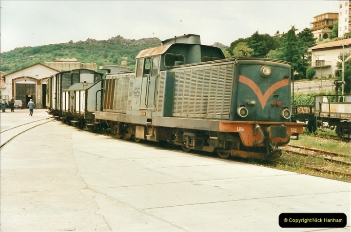 13 May to 20 May 2000  (39)001