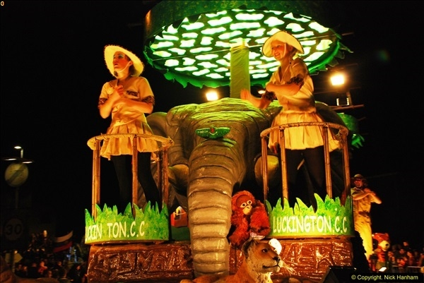 2015-11-18 The Somerset Carnivals 2015 - Shepton Mallet.  (163)163