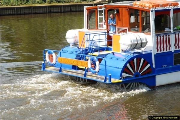 2014-05-16 Teddington Lock, River Thames,Teddington, Middlesex.  (15)