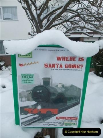 2010-12-04 Santa Specials Your Host Driving DMU  (0)001