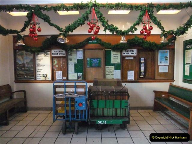 2010-12-23 Santa Specials. Driving DMU.  (10)165