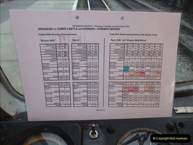 2011-08-27 Late Turn DMU.  (10)497