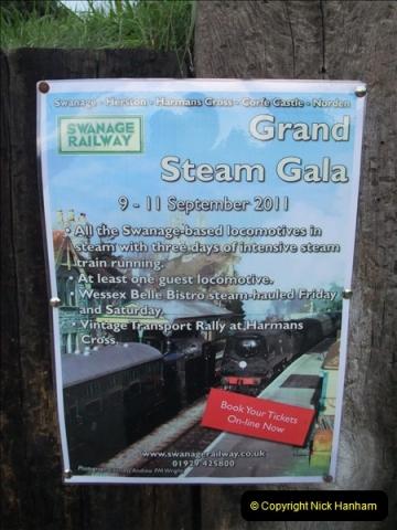 2011-08-27 Late Turn DMU.  (14)501