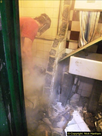 2015-07-22 Part demolition of internal wall of old messing area ready foe improvements.  (16)477