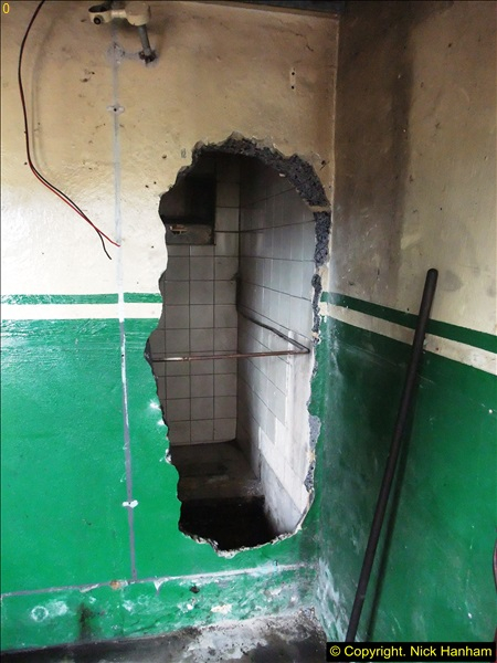 2015-07-22 Part demolition of internal wall of old messing area ready foe improvements.  (25)486