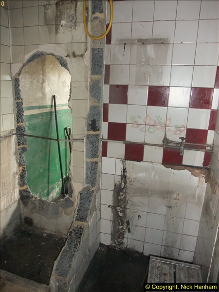 2015-07-22 Part demolition of internal wall of old messing area ready foe improvements.  (27)488