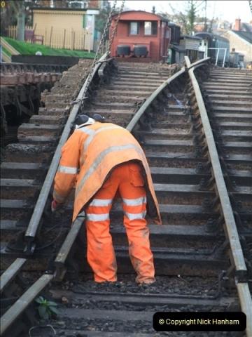 2012-01-05 SR Engineering work on the 08.  (49)049