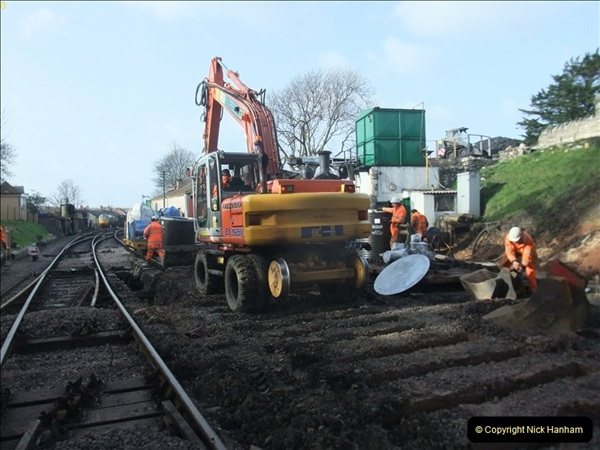 2012-01-05 SR Engineering work on the 08.  (71)071