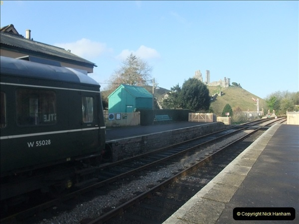 2012-01-07 Driving the DMU shuttle service Corfe Castle to Norden (11)126