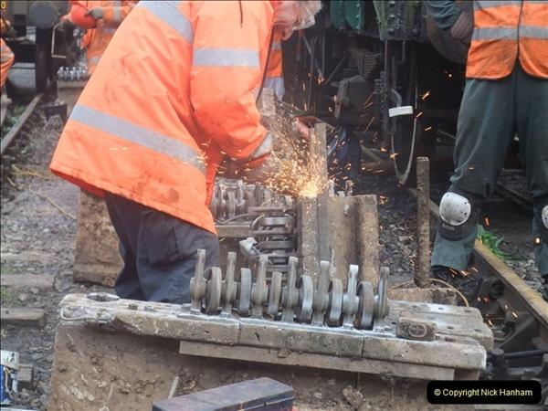 2012-01-10 SR Engineering work on the 08. (105)374