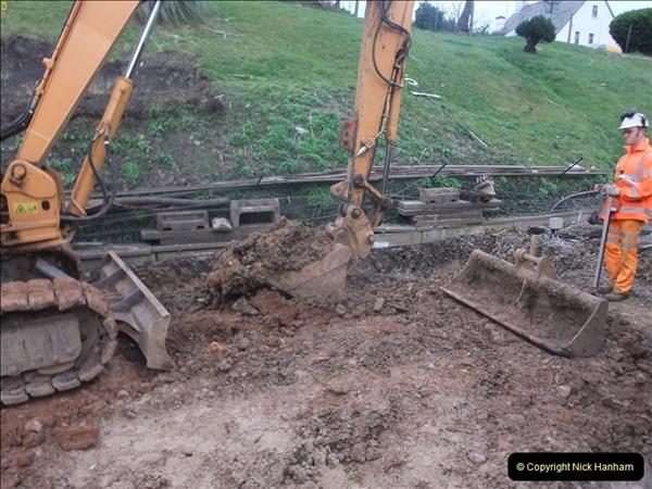 2012-01-10 SR Engineering work on the 08. (107)376