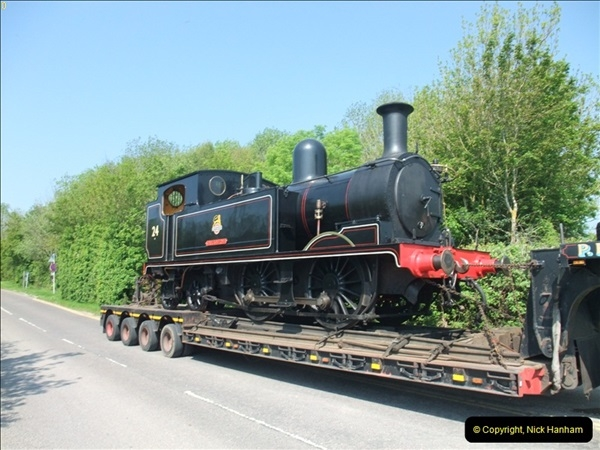 2012-05-23 Driving 6695 & W24 Calbourne on the SR.  (55)401