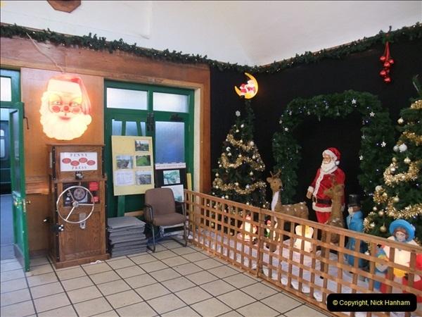 2012-12-02 Santa Specials and DMU 1.  (20)020