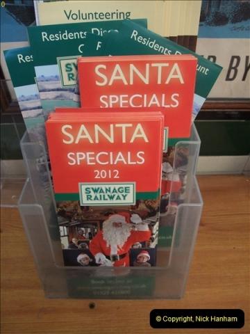 2012-12-02 Santa Specials and DMU 1.  (21)021