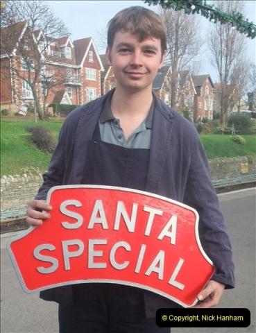 2012-12-02 Santa Specials and DMU 1.  (86)086