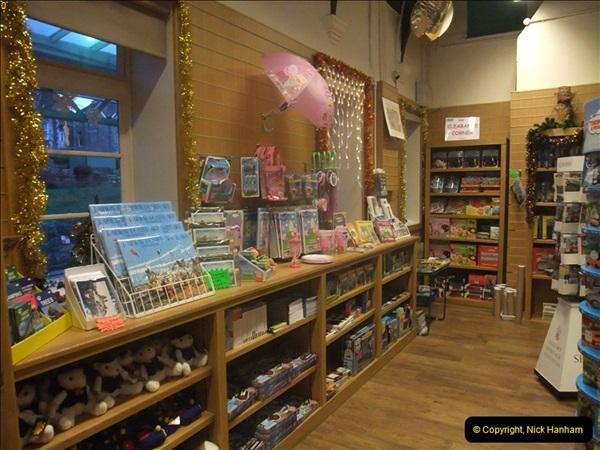 2012-12-24 Santa Specials & DMU.  (126)498