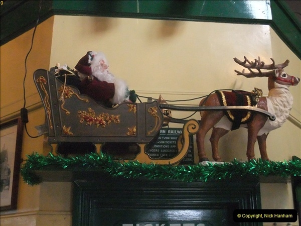 2012-12-24 Santa Specials & DMU.  (93)465