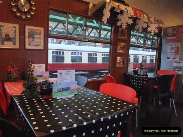 2012-12-24 Santa Specials & DMU.  (9)381