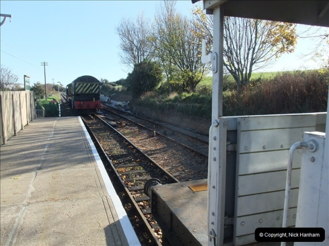 2010-11-10 Herston New Carriage Sidings on 08 (55)711